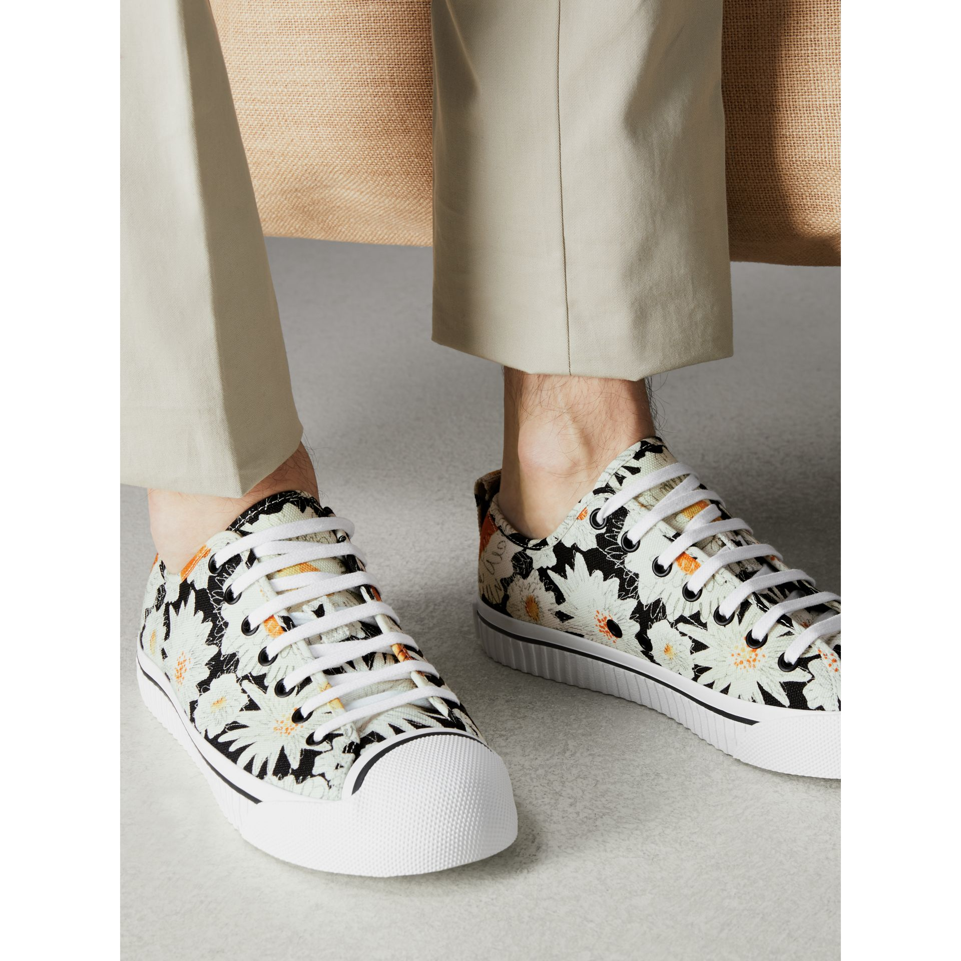 Daisy Print Cotton Canvas Sneakers in Black | Burberry - gallery image 2