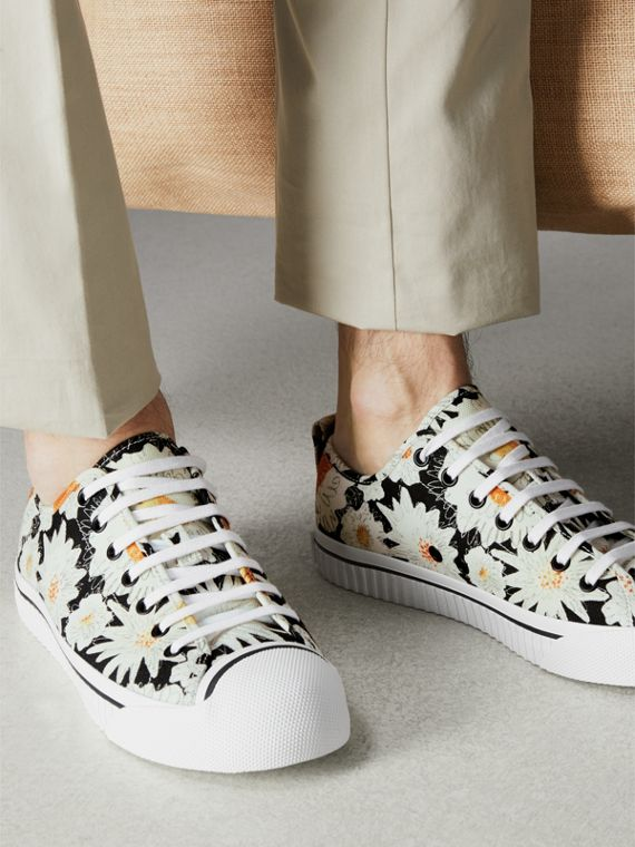 Daisy Print Cotton Canvas Sneakers in Black | Burberry - cell image 2