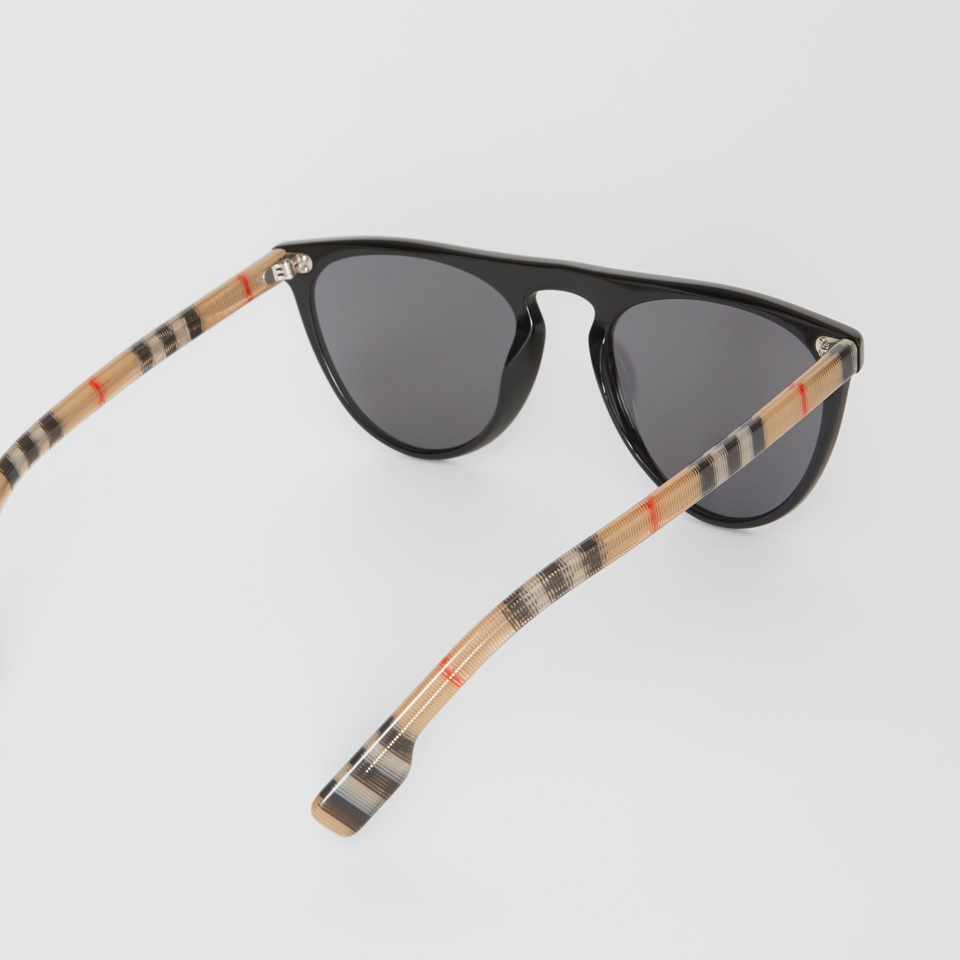 Vintage Check Detail Keyhole D-shaped Sunglasses in Black/beige - Men | Burberry Australia - gallery image 4