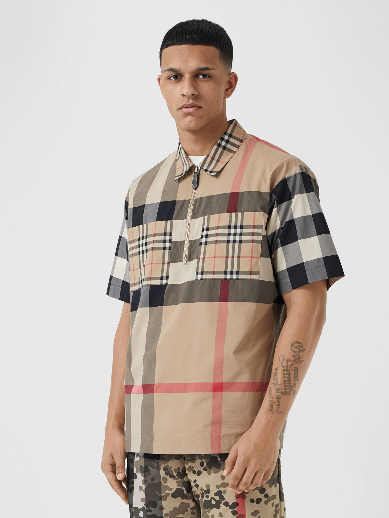 Short-sleeve Panelled Check Stretch Cotton Shirt in Archive Beige