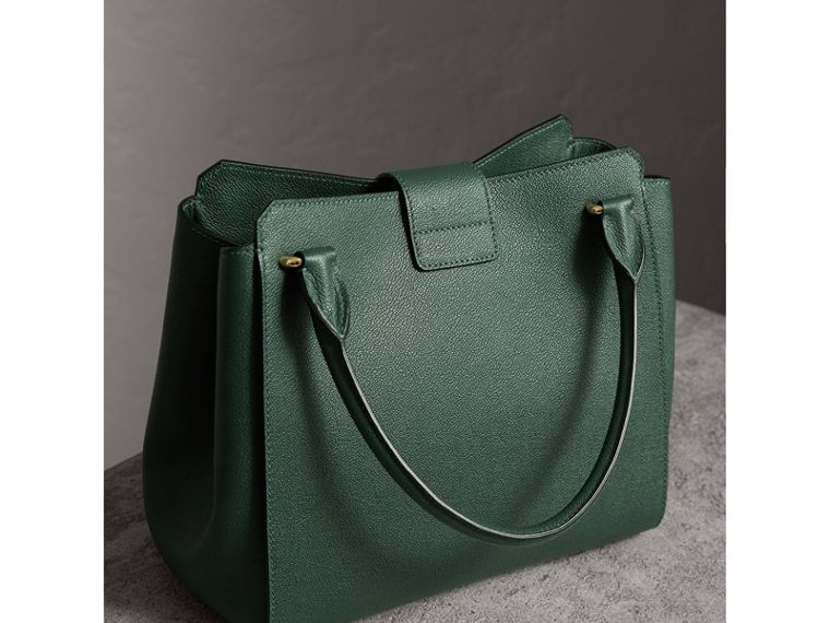 The Medium Buckle Tote in Grainy Leather in Sea Green - Women | Burberry United Kingdom - cell image 4