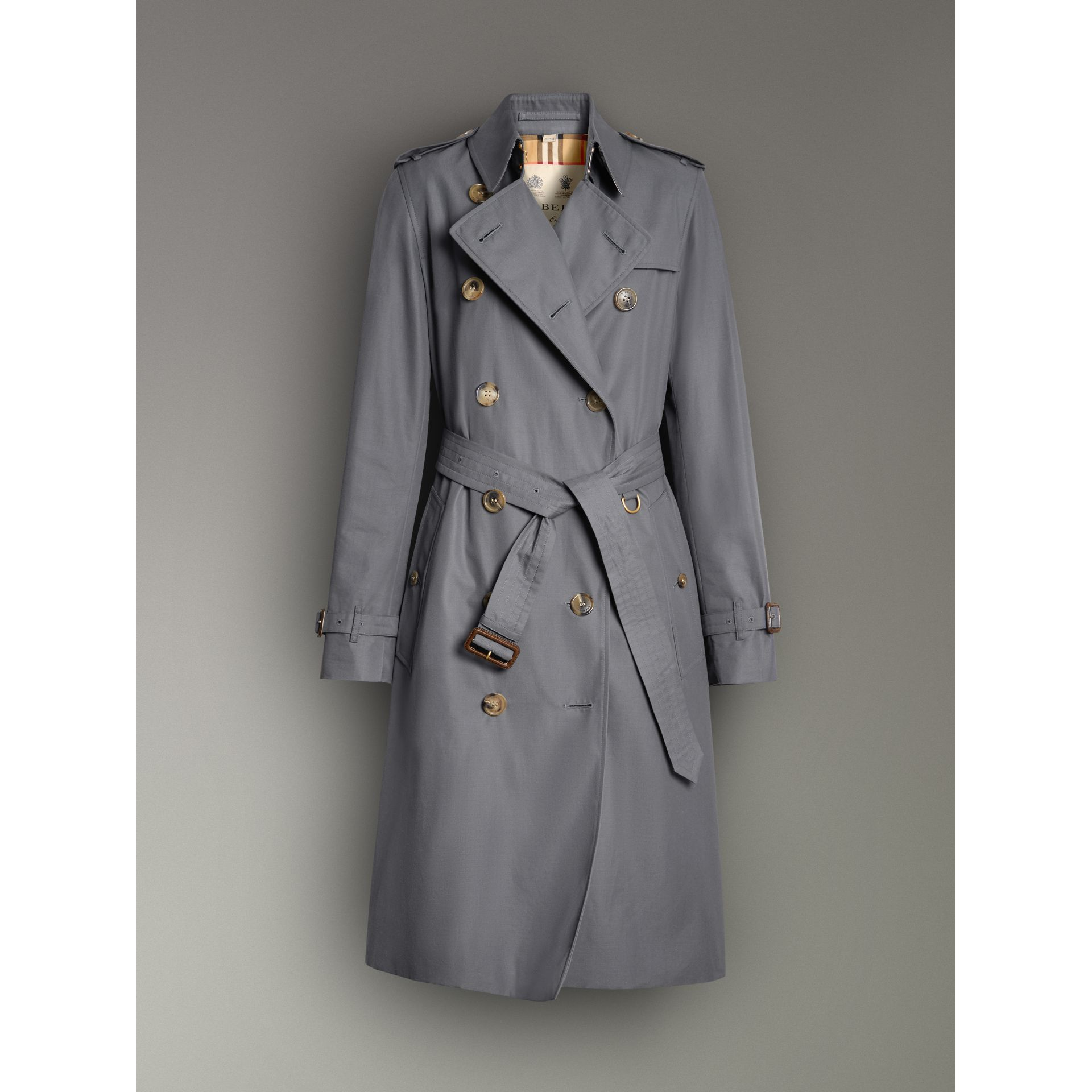 The Long Kensington Heritage Trench Coat in Mid Grey - Women | Burberry Australia - gallery image 3