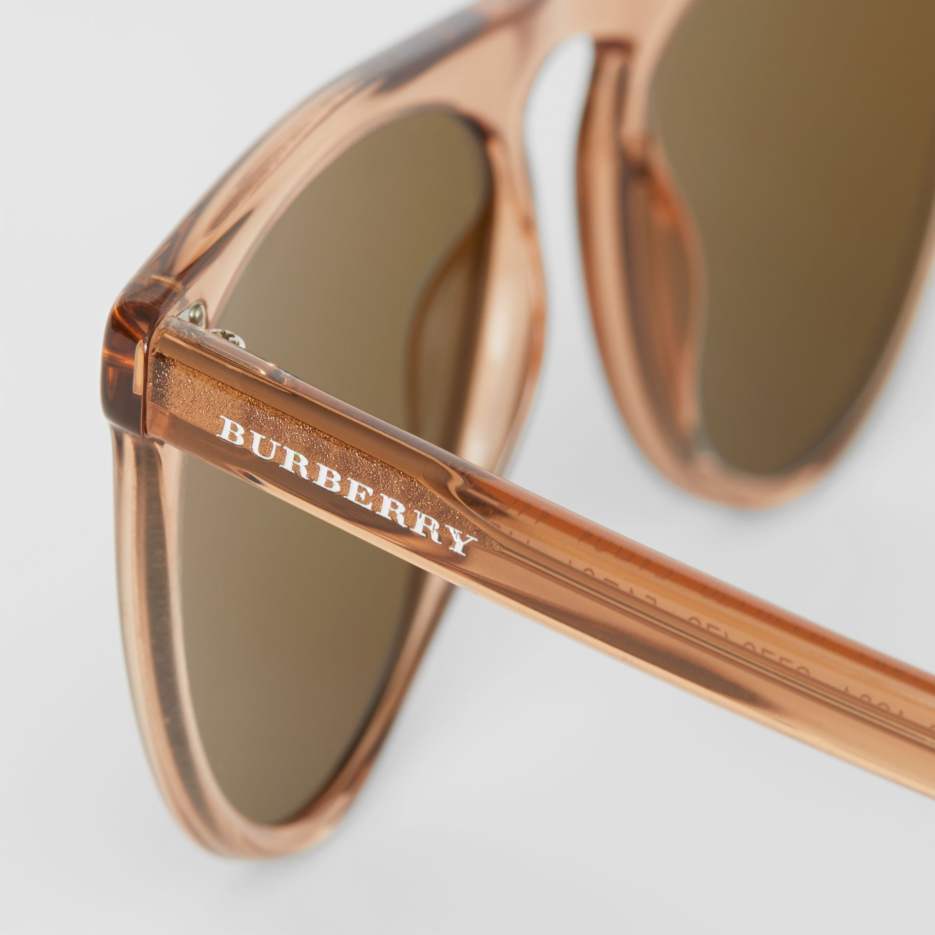 Keyhole D-shaped Sunglasses in Brown - Men | Burberry Hong Kong - gallery image 1