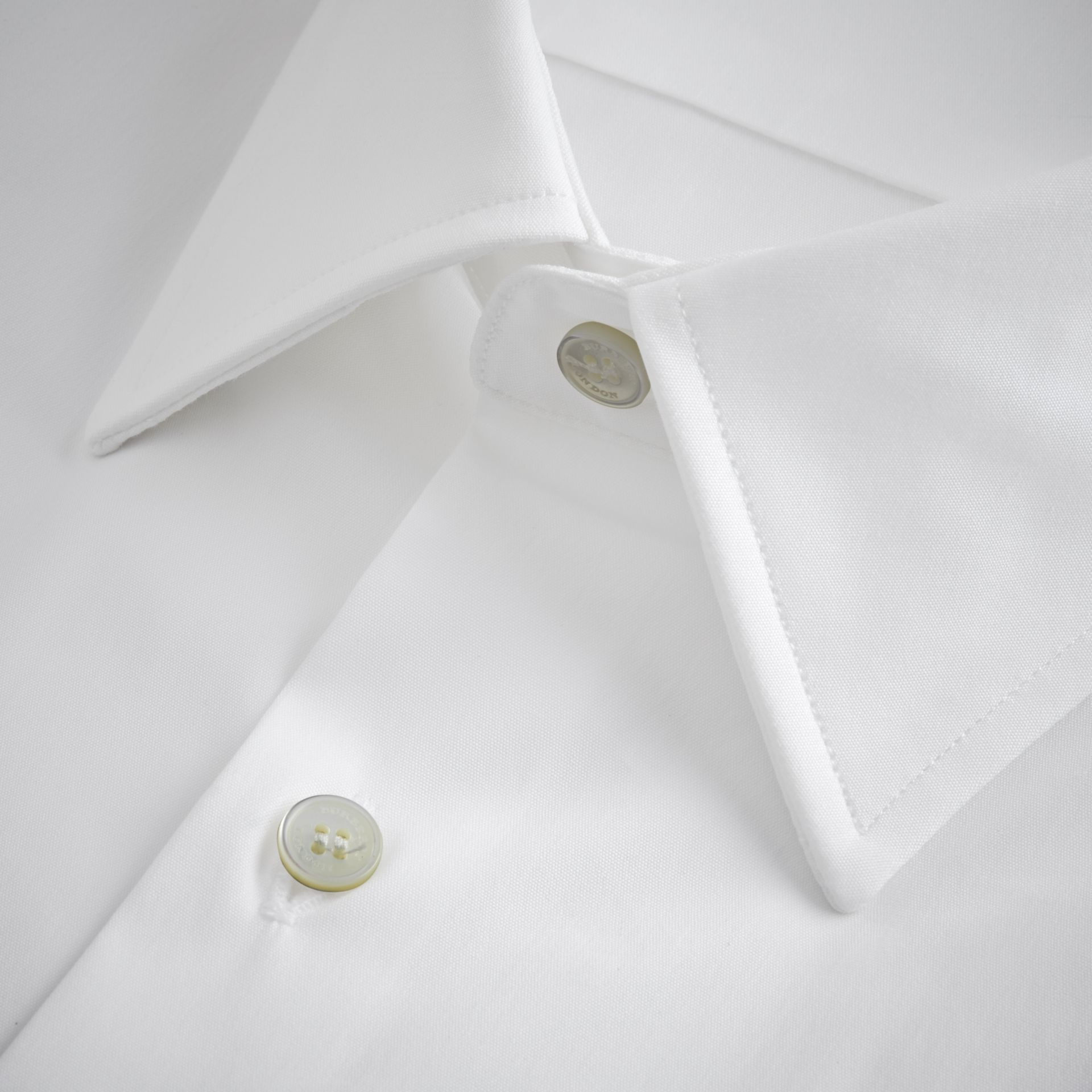 Modern Fit Short-sleeved Stretch Cotton Shirt in White - Men | Burberry - gallery image 2