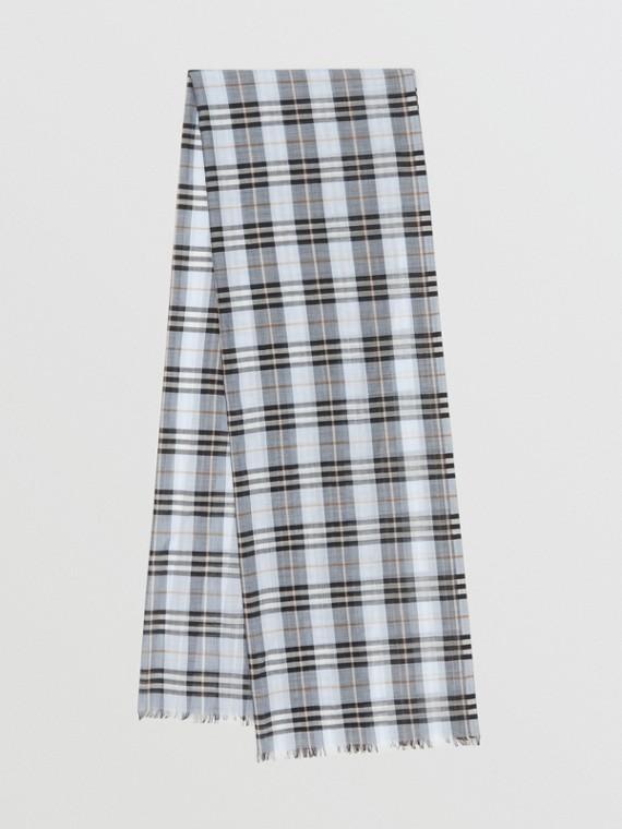 Leichter Schal aus Wolle und Seide mit Vintage Check-Muster (Hellblau)