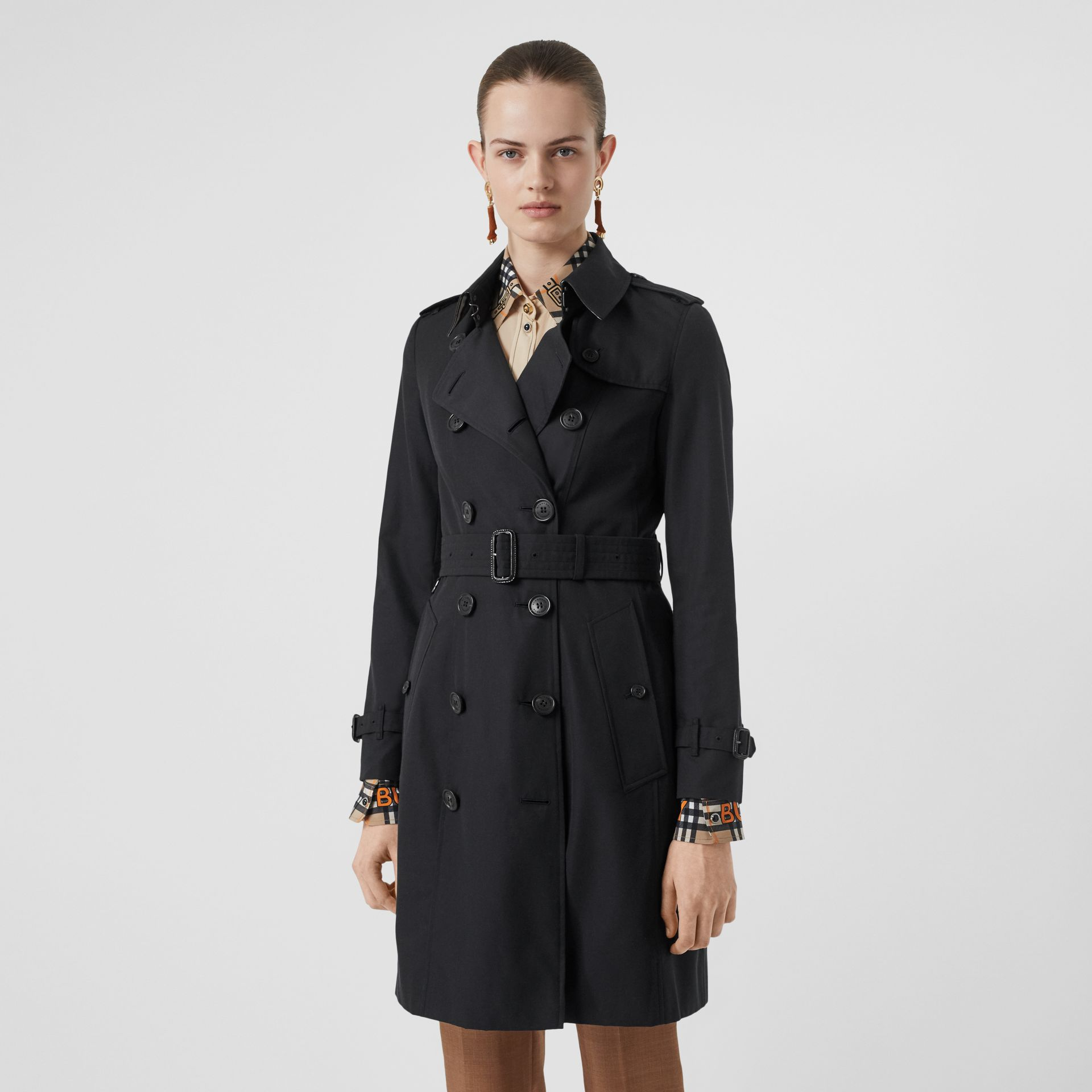 The Chelsea Heritage Trench Coat in Midnight - Women | Burberry - gallery image 8