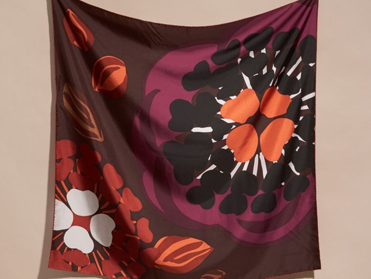 Deep burgundy Floral Silk Twill Square – Medium Deep Burgundy - cell image 4