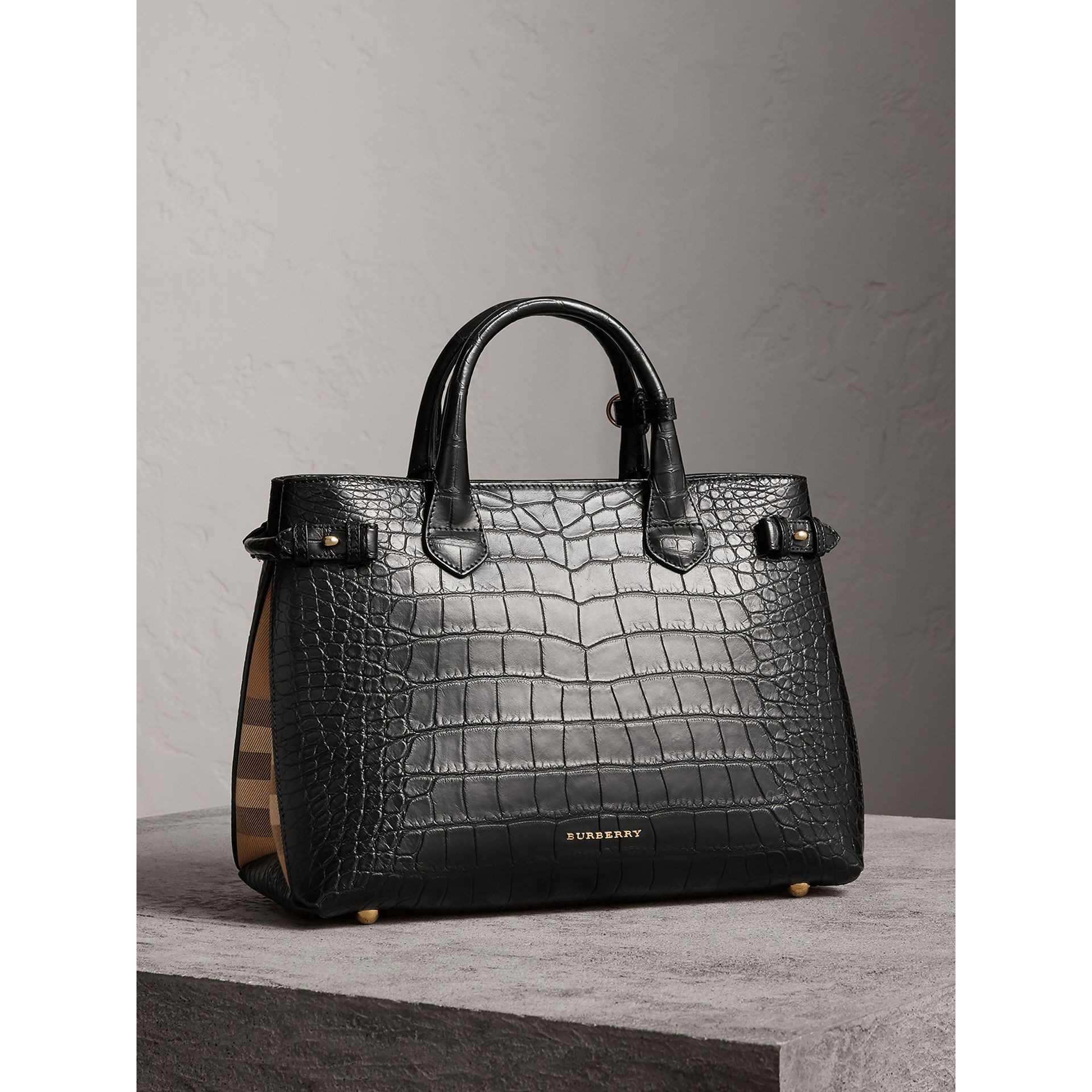 Sac The Banner medium en alligator (Noir) - Femme | Burberry - photo de la galerie 0