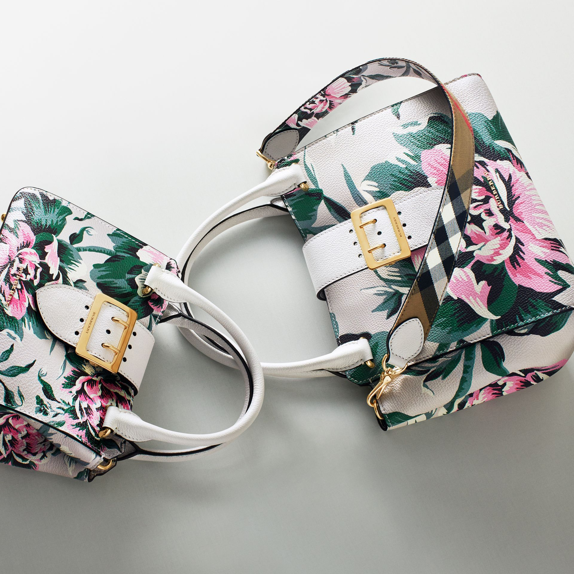 Natural/emerald green The Medium Buckle Tote in Peony Rose Print Leather Natural/emerald Green - gallery image 10