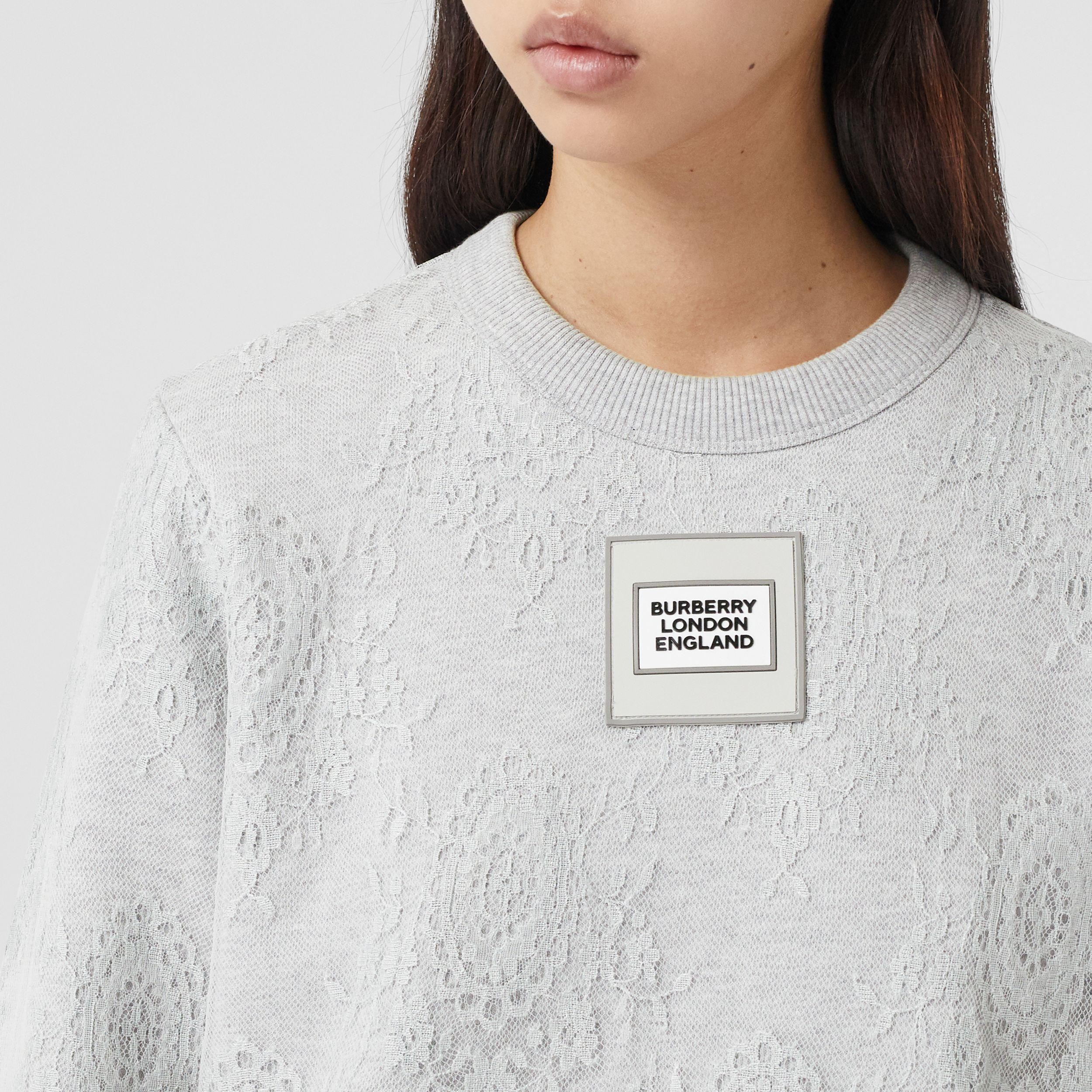 Logo Appliqué Lace Oversized Sweatshirt in Light Pebble Grey - Women | Burberry United Kingdom - 2