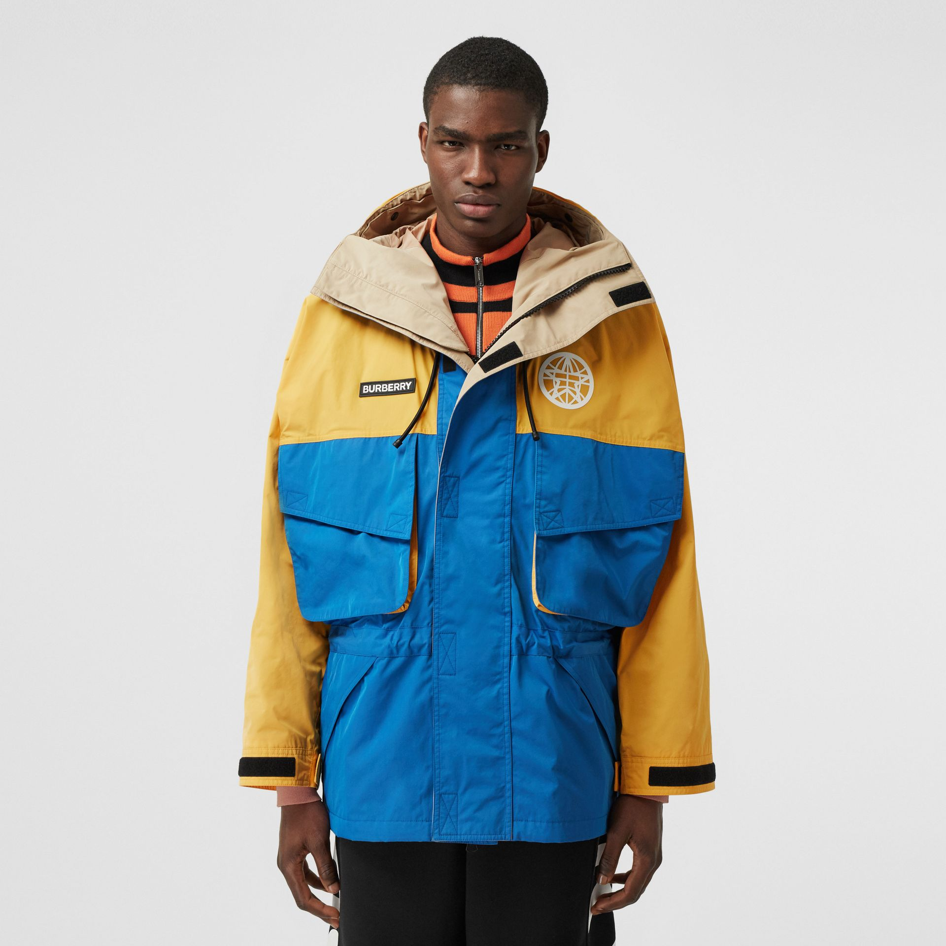 Globe Graphic Colour Block Technical Twill Jacket in Regency Blue | Burberry United Kingdom - gallery image 3