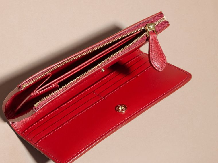 Grainy Leather Ziparound Wallet in Parade Red - Women | Burberry Hong Kong - cell image 4