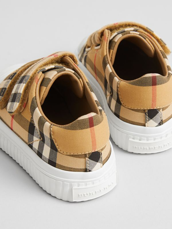 Vintage Check and Leather Sneakers in Optic White/black - Children | Burberry United Kingdom - cell image 2