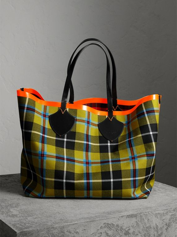 Sac tote The Giant réversible en coton tartan (Jaune Lin/rouge)
