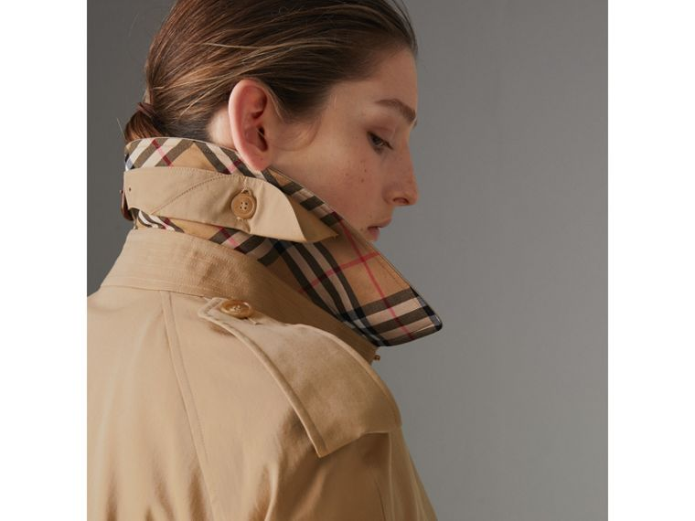 The Westminster Heritage Trench Coat in Honey - Women | Burberry - cell image 1