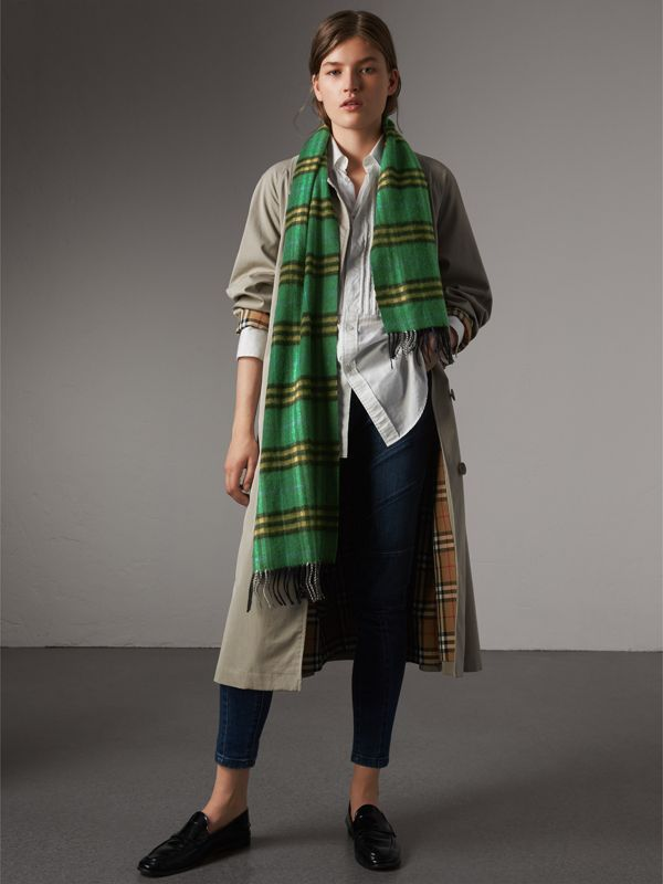 Check Cashmere Scarf in Forest Green | Burberry Australia - cell image 2