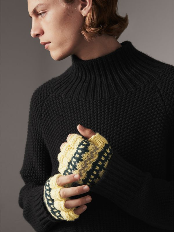 Fair Isle Cashmere Wool Blend Fingerless Gloves in Pine Green | Burberry - cell image 3