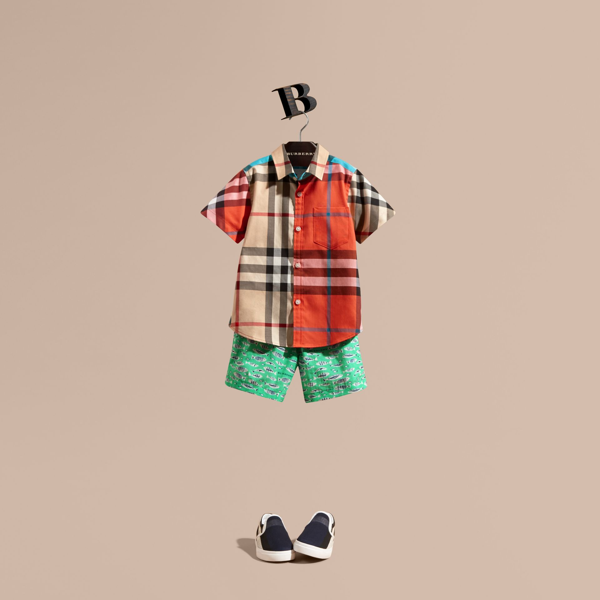 Short-sleeved Contrast Check Cotton Shirt in New Classic - Boy | Burberry - gallery image 1