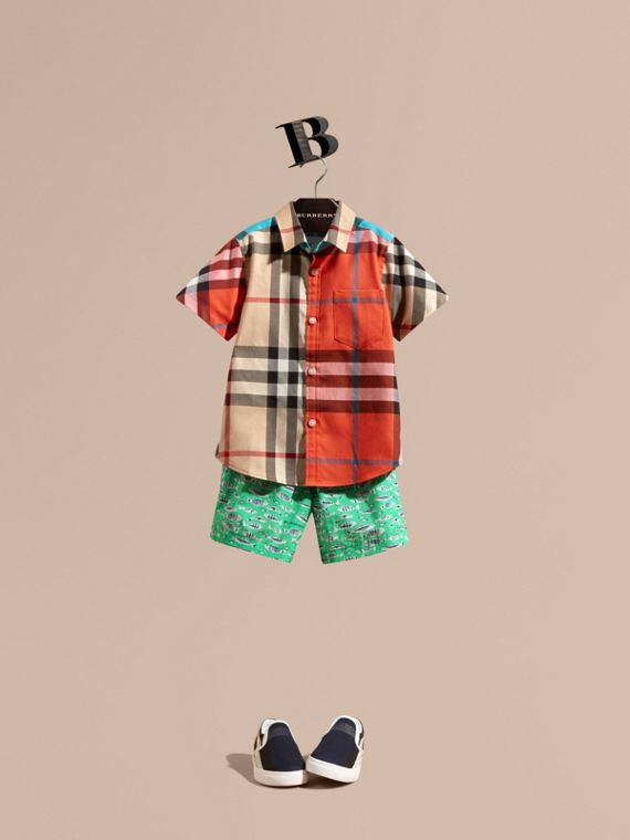 Short-sleeved Contrast Check Cotton Shirt in New Classic - Boy | Burberry