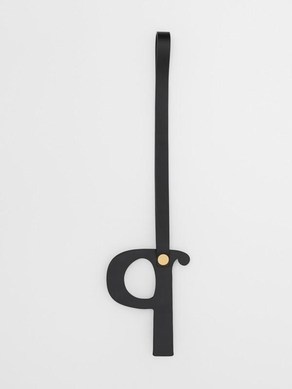 Bijou alphabet «P» en cuir clouté (Noir/or Clair) - Femme | Burberry - cell image 2