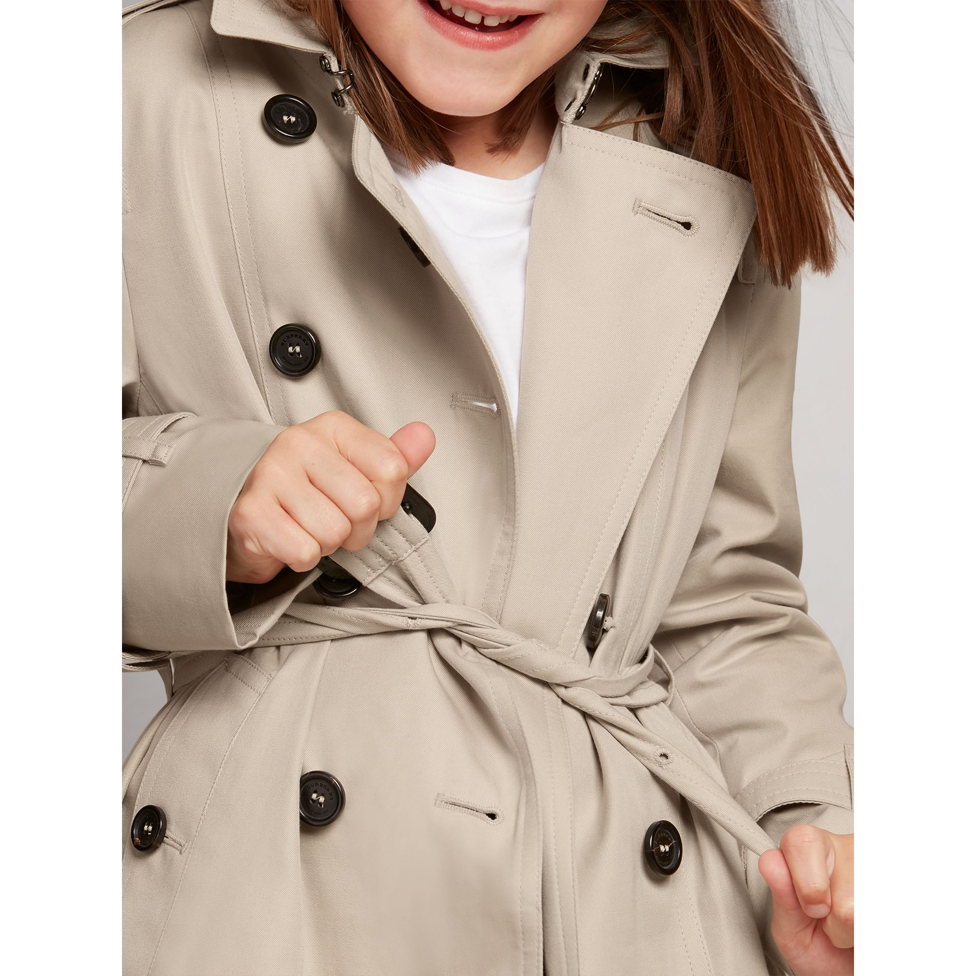 The Sandringham – Heritage Trench Coat in Stone - Girl | Burberry United States - gallery image 2