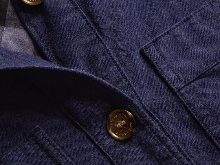 Bluse aus Chambray-Baumwolle mit Schleifendetail am Ausschnitt (Dunkles Indigo) - Damen | Burberry - cell image 1