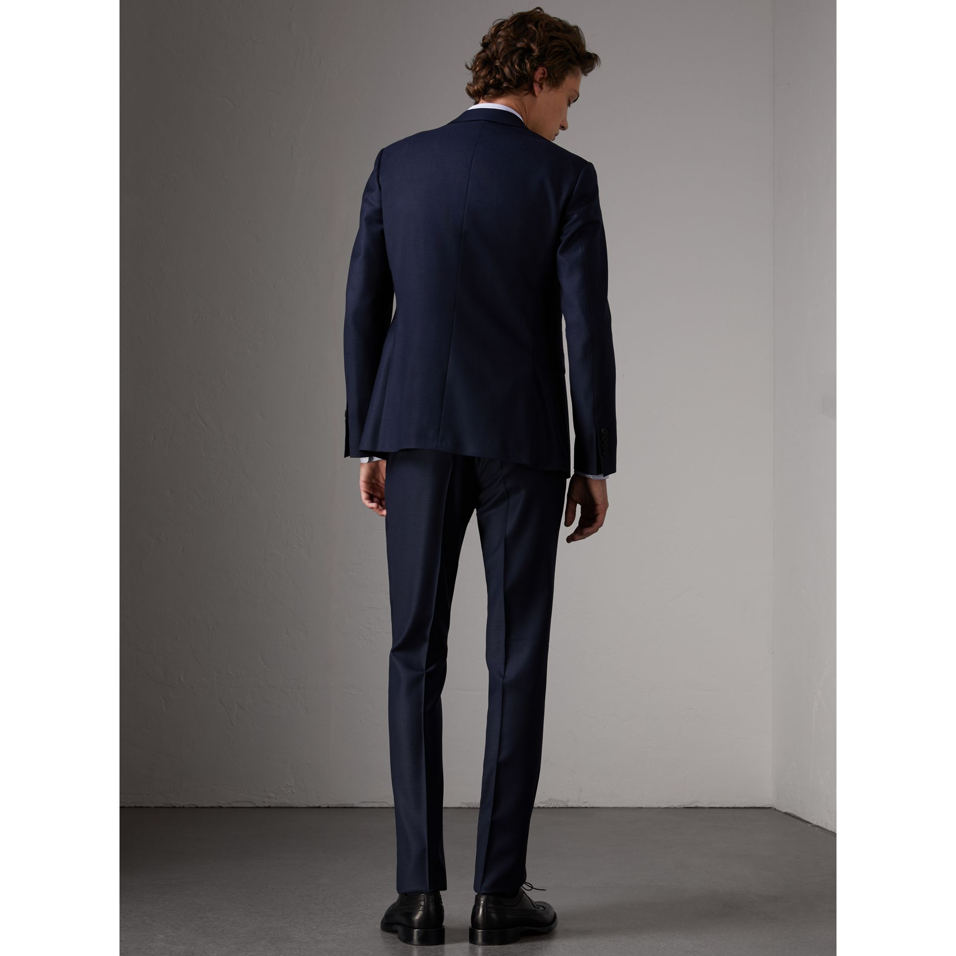 Slim Fit Travel Tailoring Wool Three-piece Suit in Navy - Men | Burberry - gallery image 2