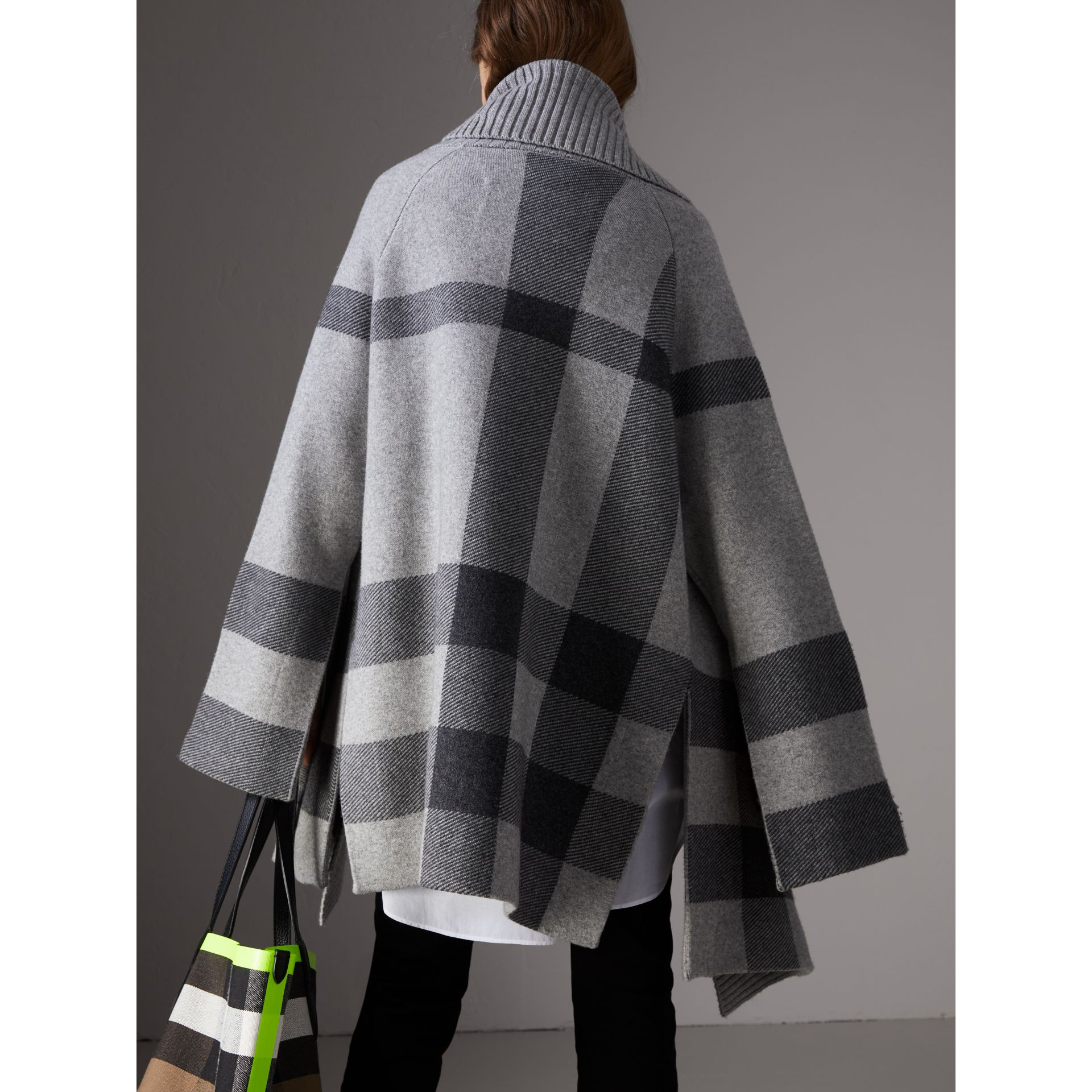 Check Wool Cashmere Blend Cardigan Coat in Pale Grey Melange - Women | Burberry Australia - gallery image 2