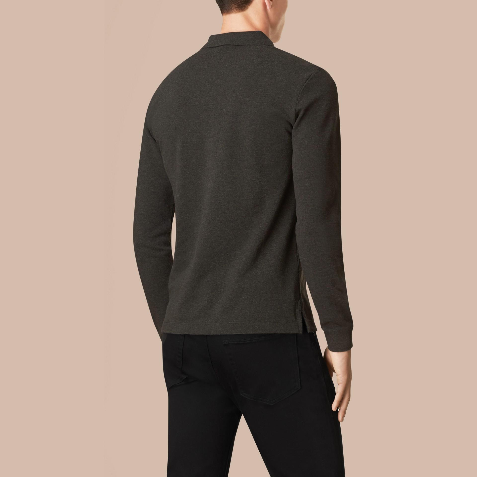 Polo a maniche lunghe con paramontura con motivo check Nero Fumo Scuro Mélange - immagine della galleria 3