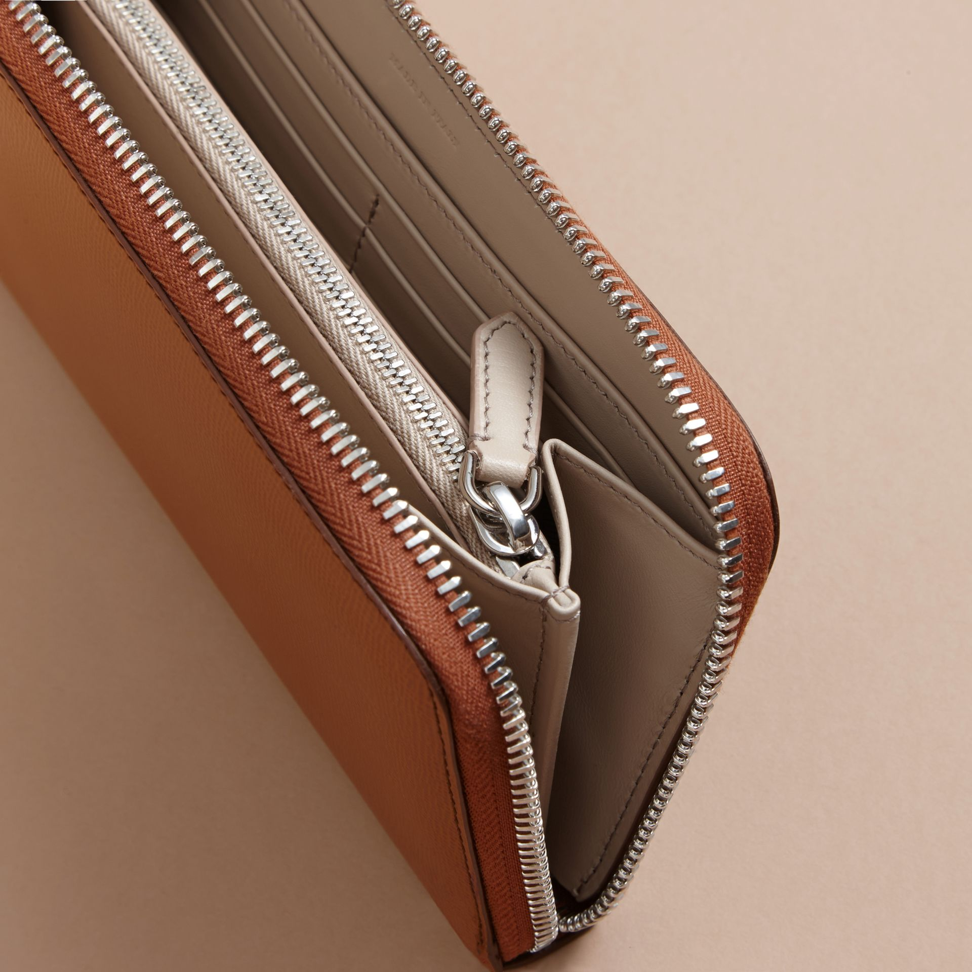 London Leather Ziparound Wallet in Tan - Men | Burberry - gallery image 5