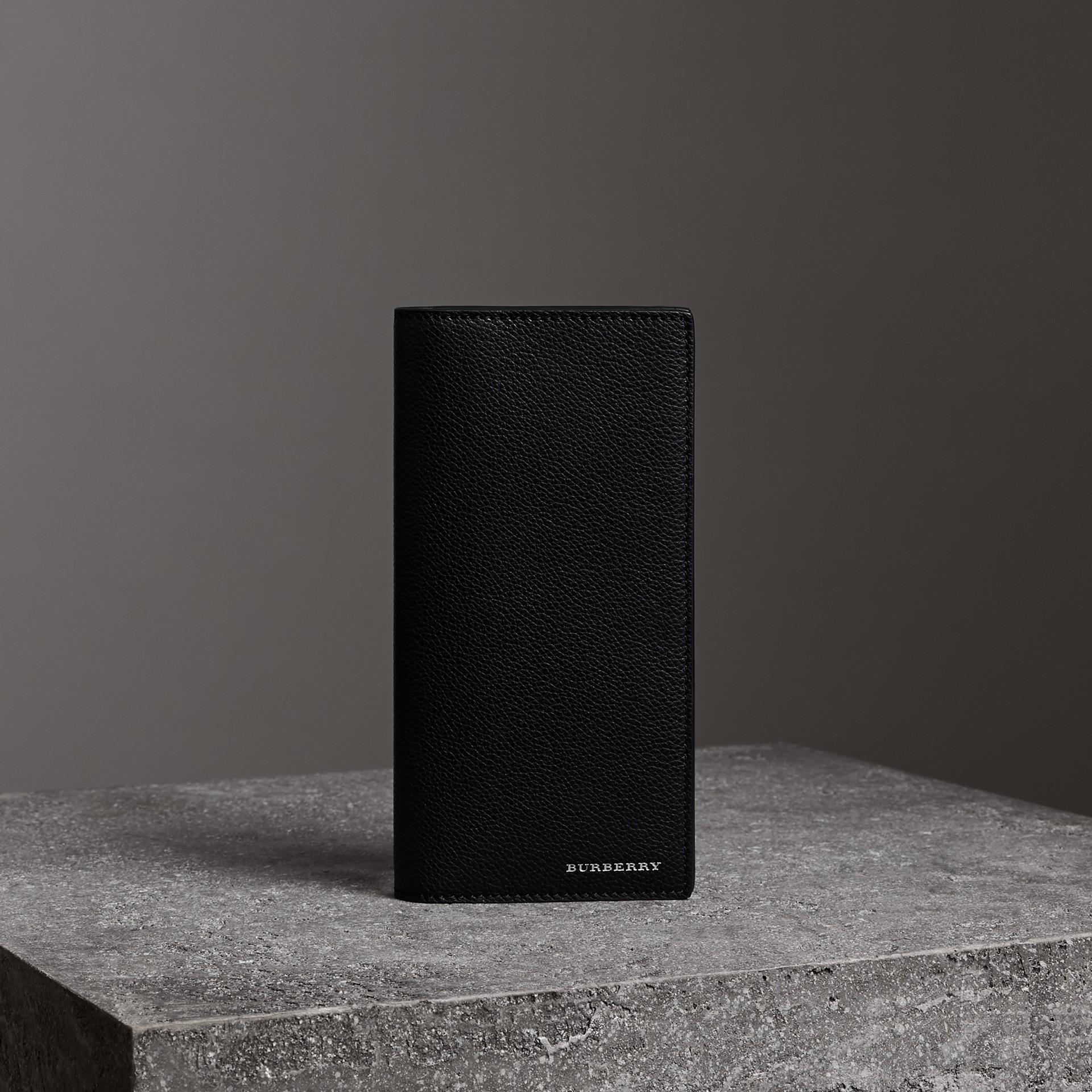 Portefeuille continental en cuir grainé (Noir) - Homme | Burberry Canada - photo de la galerie 0