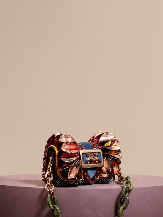 Bolsa Ruffle Buckle de píton e couro de avestruz com estampa xadrez Amarelo Alerce