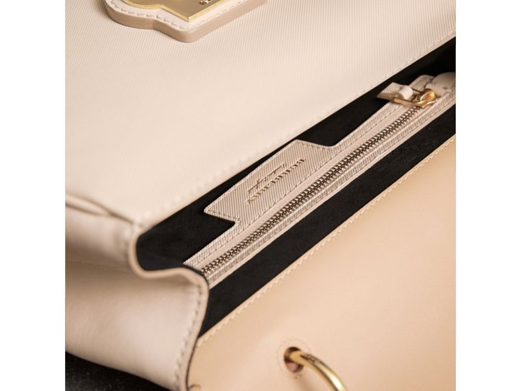 The Medium DK88 Top Handle Bag in Limestone/honey - Women | Burberry Singapore - cell image 4