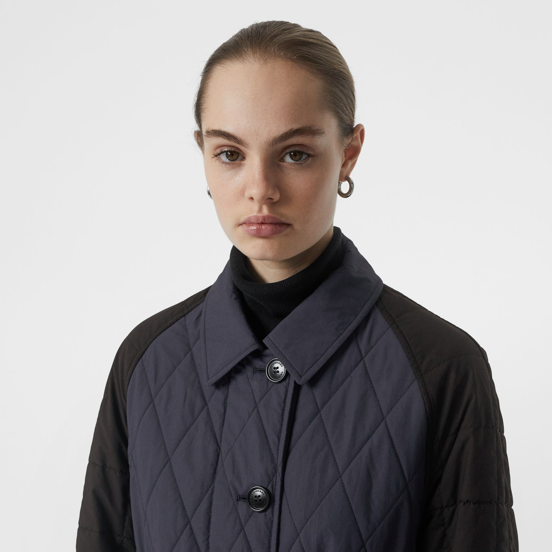 Reversible Contrast Sleeve Quilted Cotton Car Coat in Navy - Women | Burberry Singapore - gallery image 6