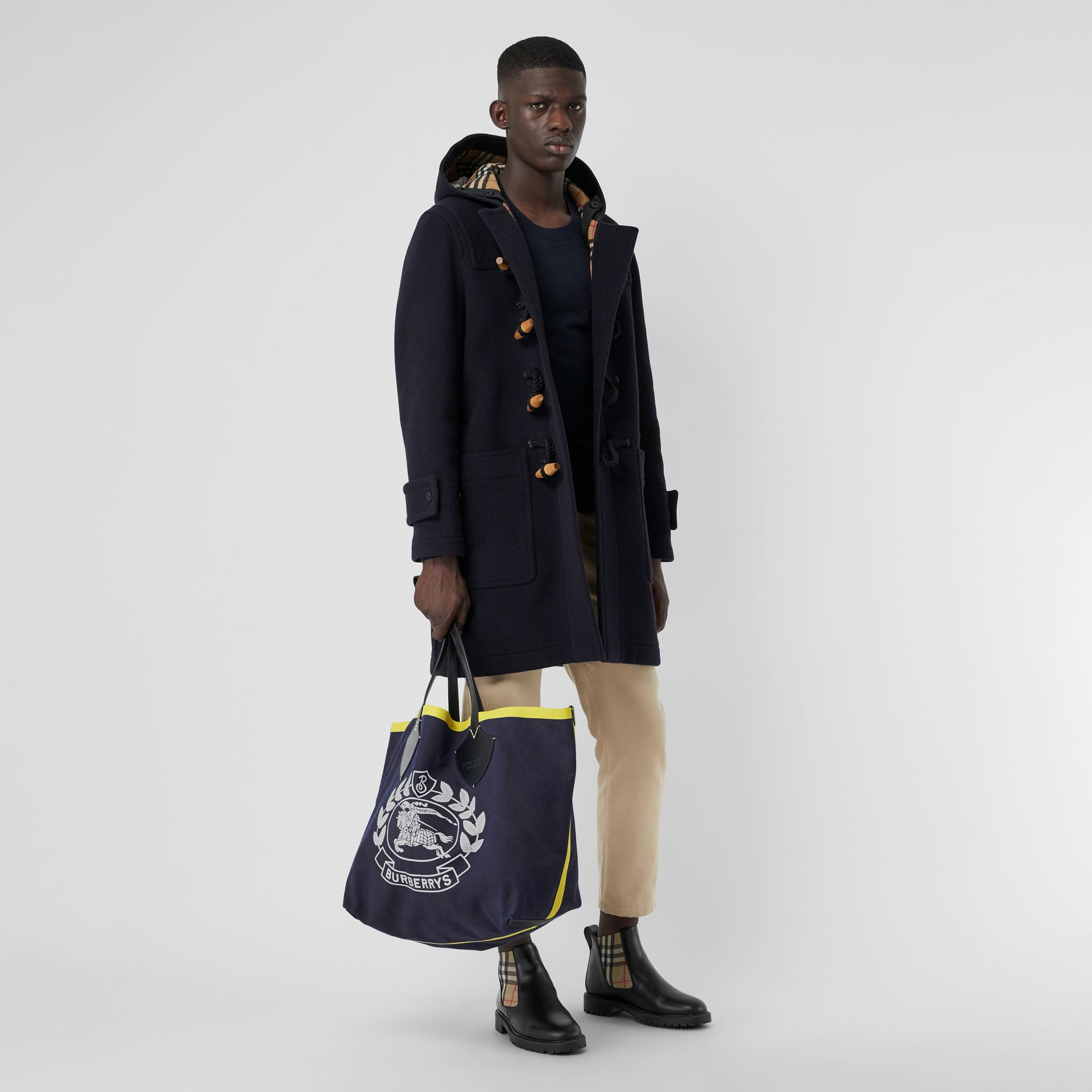 The Giant Tote in Archive Crest Cotton in Navy | Burberry - gallery image 7