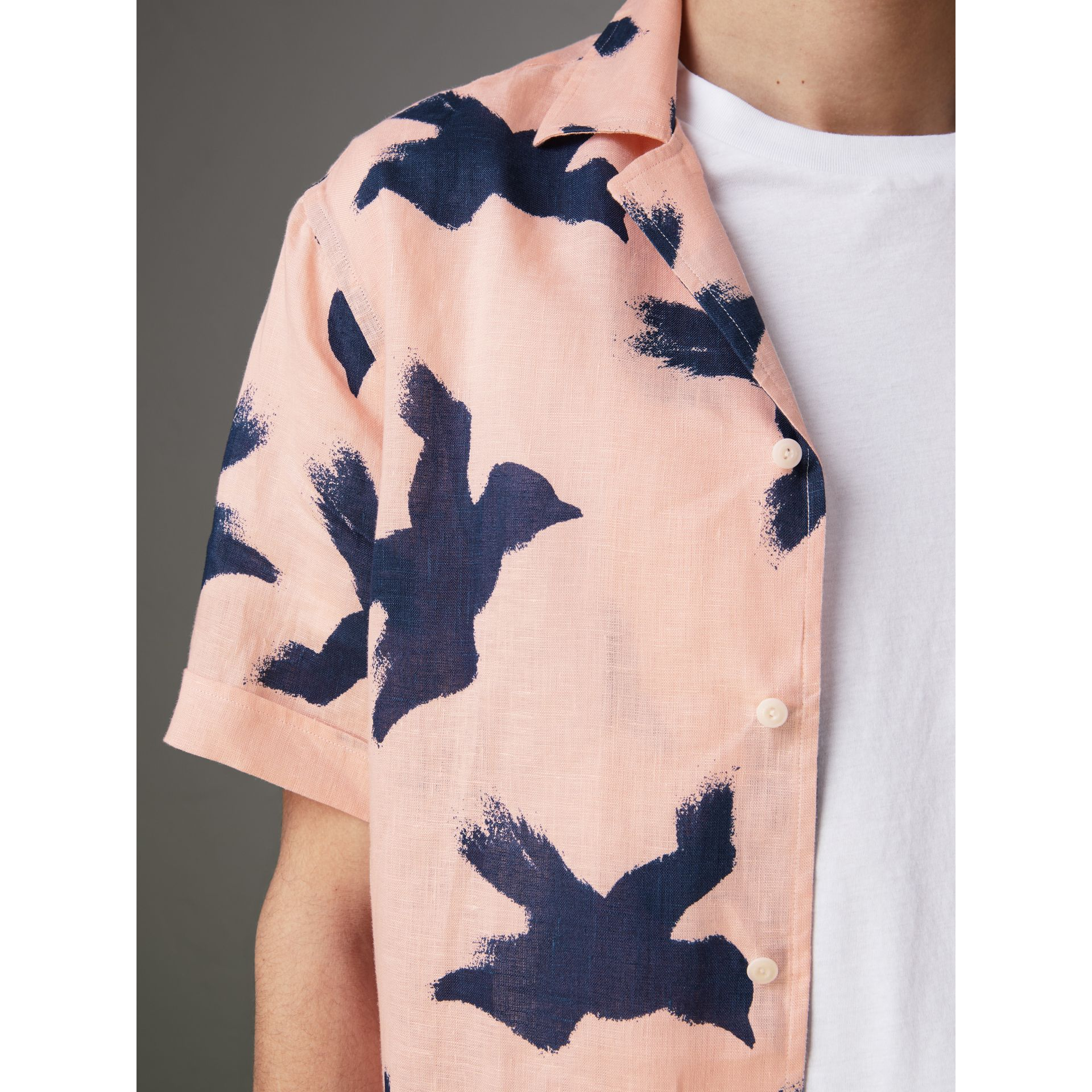 Short-sleeve Bird Print Linen Shirt in Apricot Pink - Men | Burberry - gallery image 1