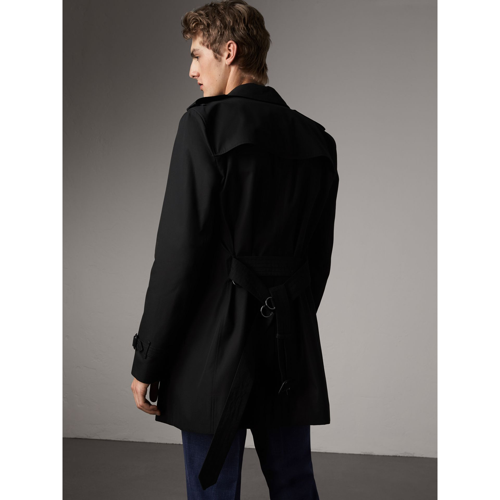 The Kensington – Mid-Length Heritage Trench Coat in Black - Men | Burberry - gallery image 3