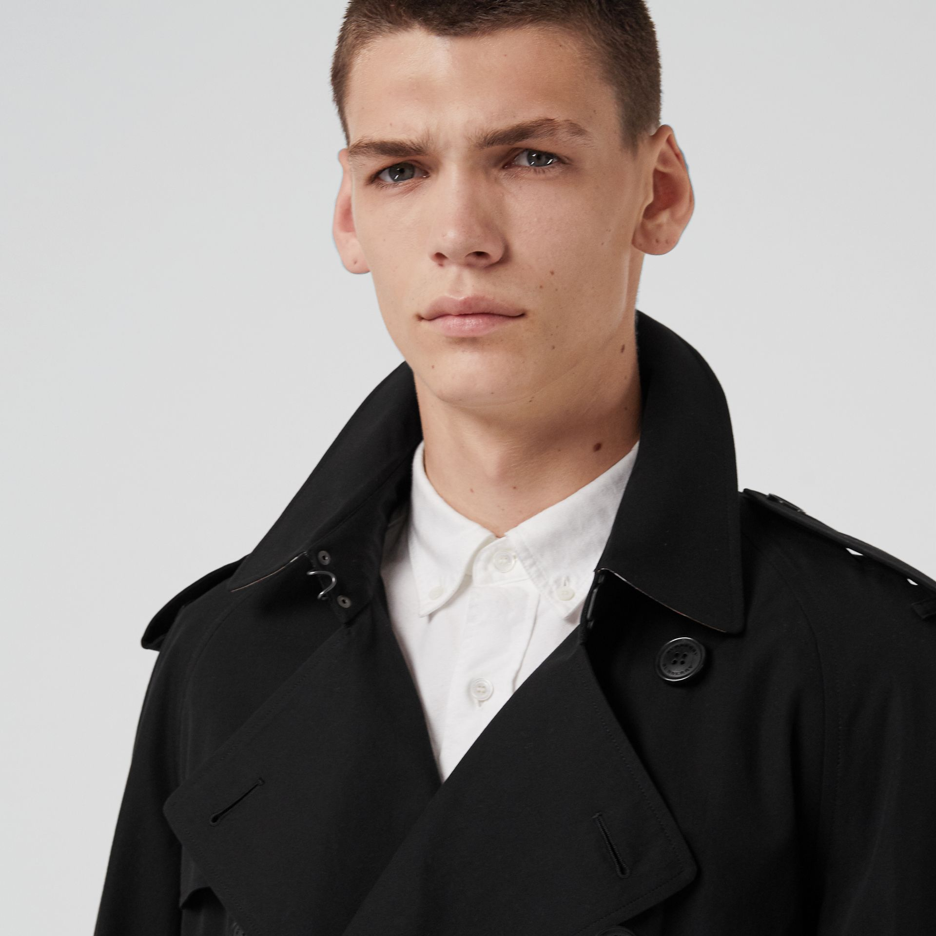 The Westminster Heritage Trench Coat in Black - Men | Burberry Singapore - gallery image 5