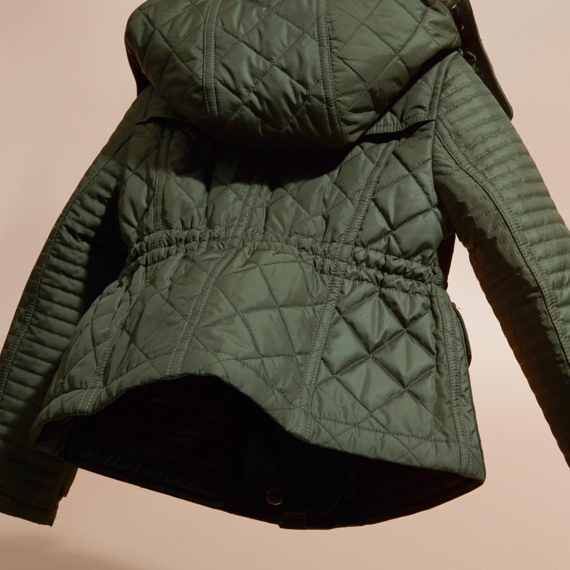 Oliva Giacca trapuntata con cappuccio amovibile - immagine della galleria 4