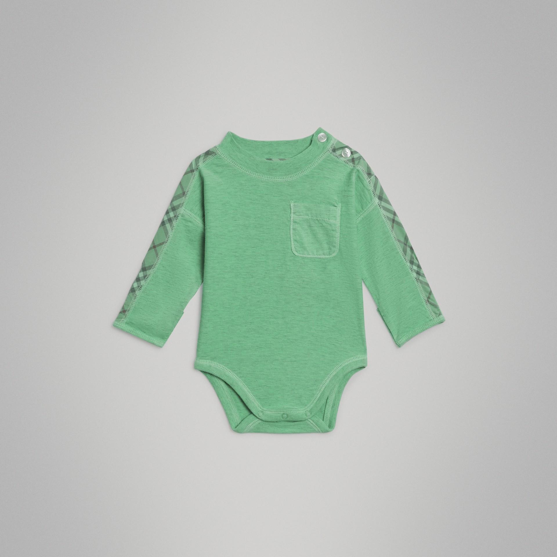 Gift set para bebê de três peças de algodão com detalhe xadrez (Multicolorido) - Crianças | Burberry - galeria de imagens 3