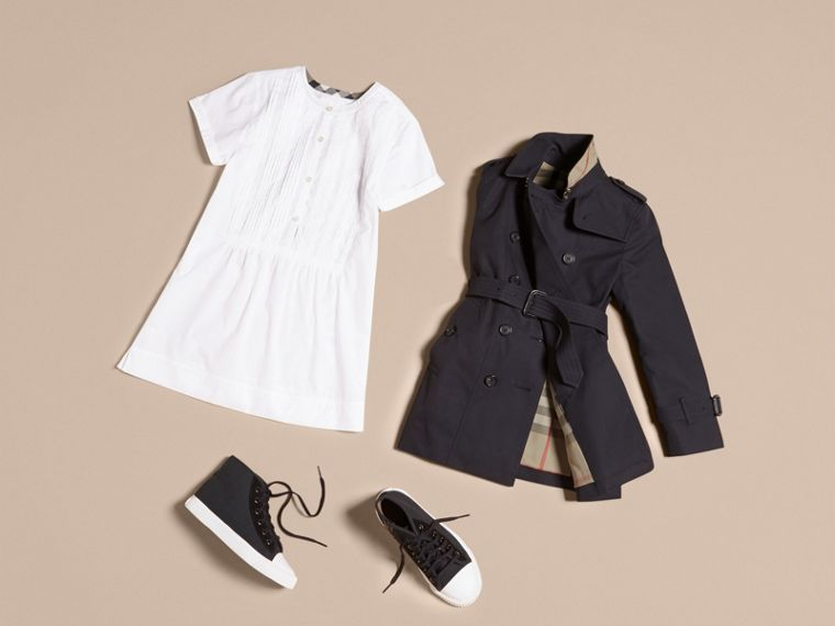 The Sandringham – Heritage Trench Coat in Navy - Girl | Burberry - cell image 4