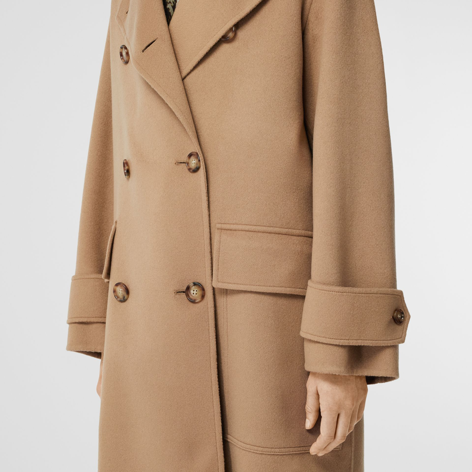 Double-faced Cashmere Oversized Coat in Light Camel - Women | Burberry United Kingdom - gallery image 4