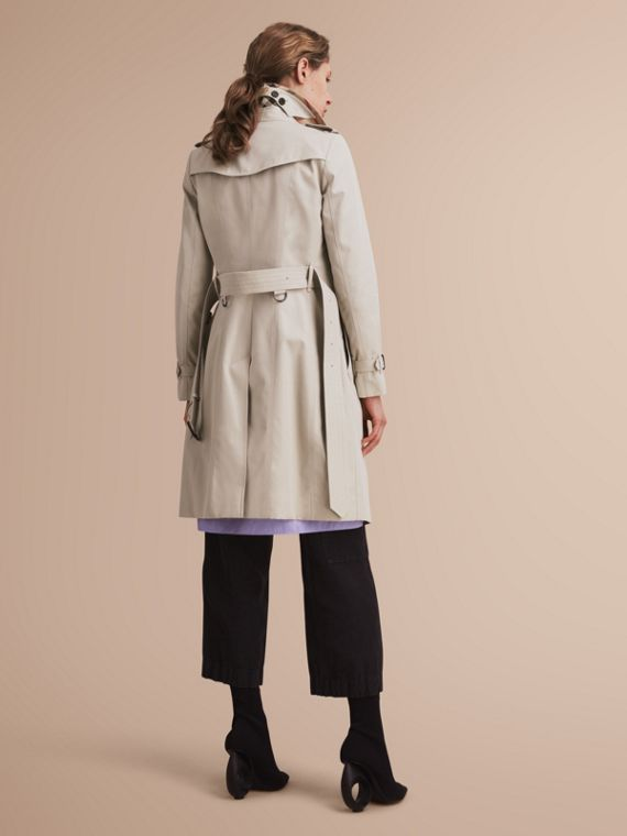 The Chelsea – Long Heritage Trench Coat in Stone - cell image 2