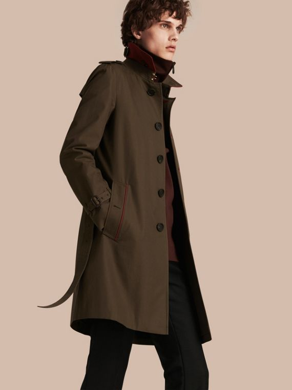 Trenchcoat aus Baumwolle mit Detail in Military-Optik