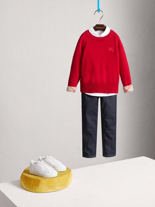 Suéter de cashmere com detalhe xadrez (Vermelho Paixão) - Menina | Burberry - cell image 2
