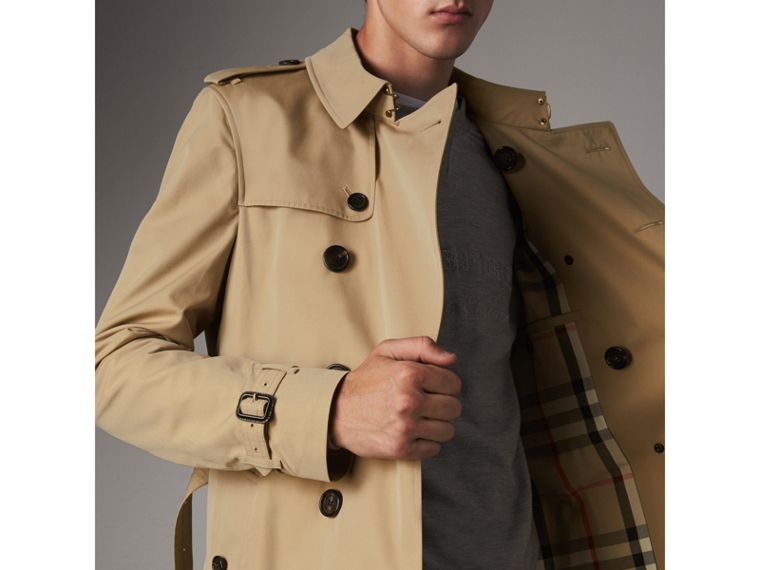 The Chelsea – Mid-length Trench Coat in Honey - Men | Burberry United Kingdom - cell image 4