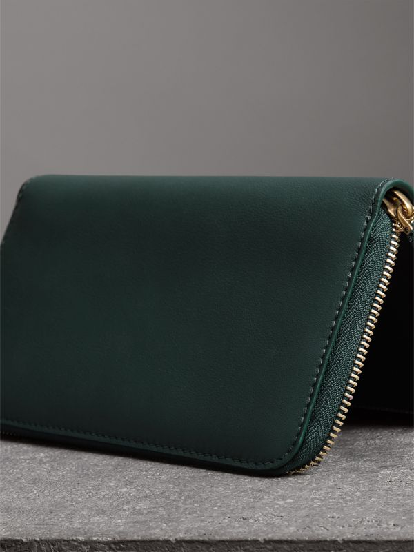 Graffiti Print Leather Ziparound Wallet in Deep Bottle Green - Men | Burberry - cell image 2
