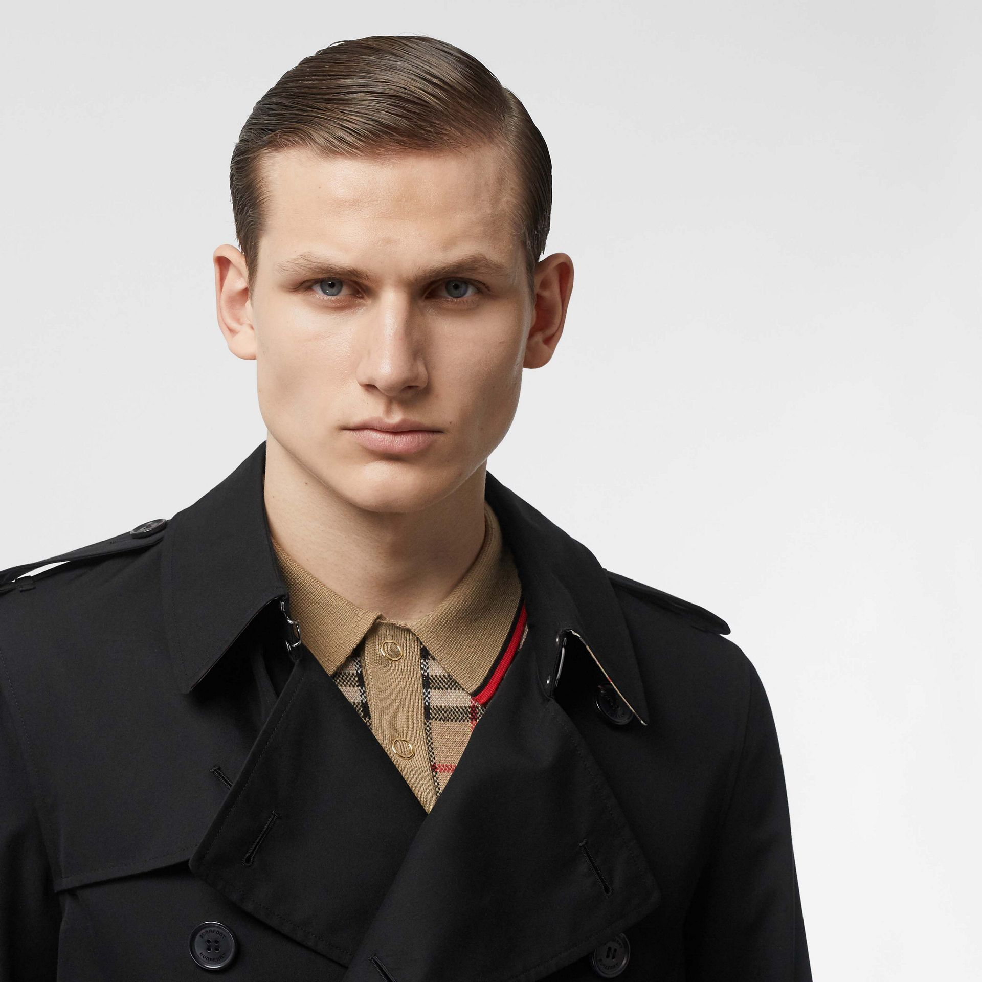 The Short Wimbledon Trench Coat in Black - Men | Burberry United States - gallery image 7