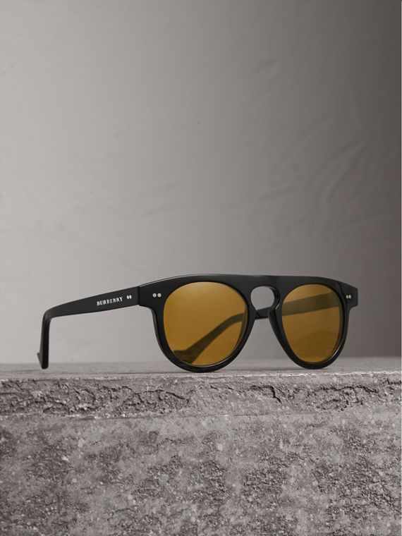 The Keyhole Round Frame Sunglasses in Black/yellow