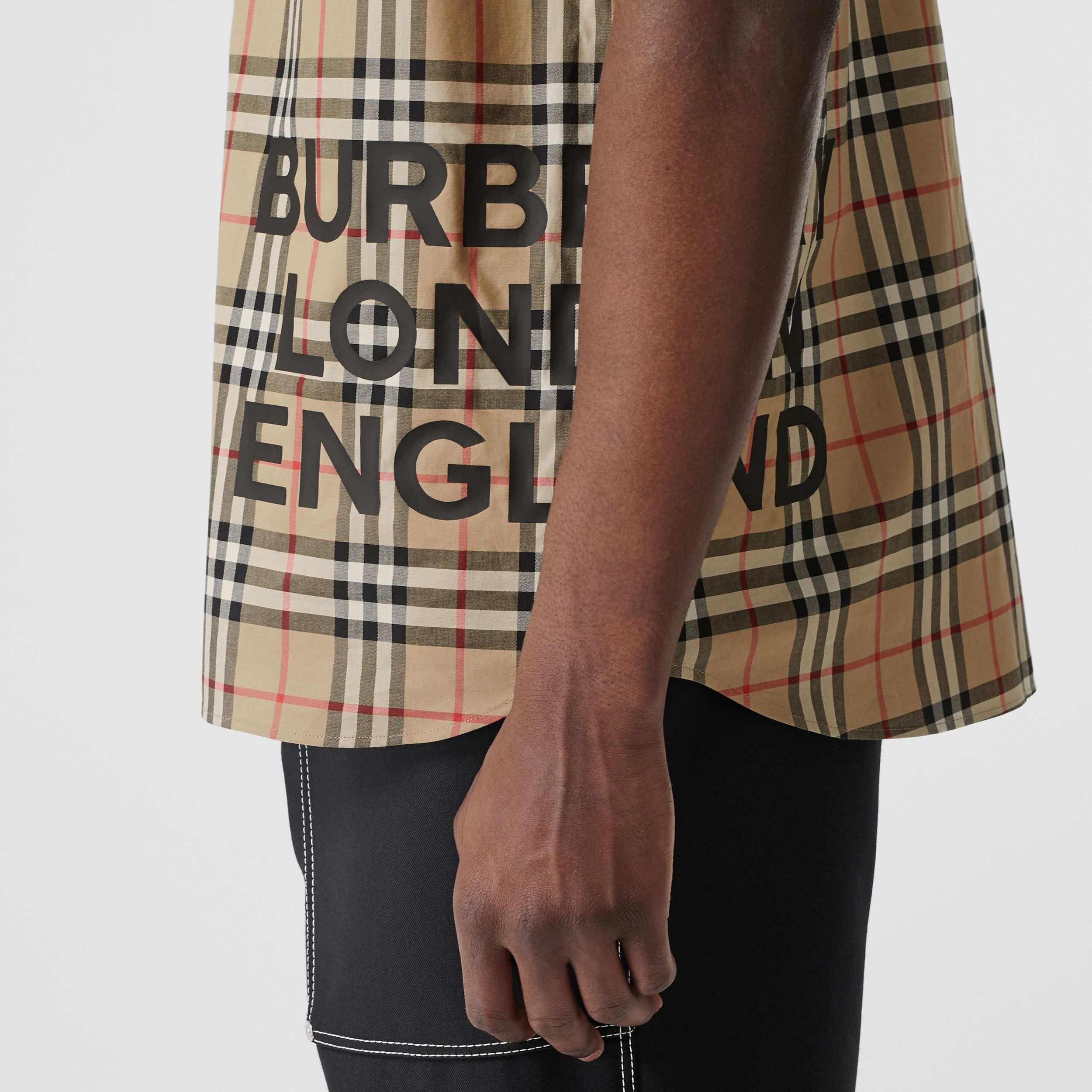 Short-sleeve Vintage Check Cotton Oversized Shirt in Archive Beige - Women | Burberry - 2